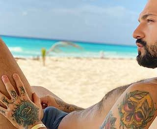 Igor Lucios and Rob Campos meet on a beautiful beach before agreeing to do a naughty video for latin leche. The men will suck and fuck for the camera like there's no tomorrow.